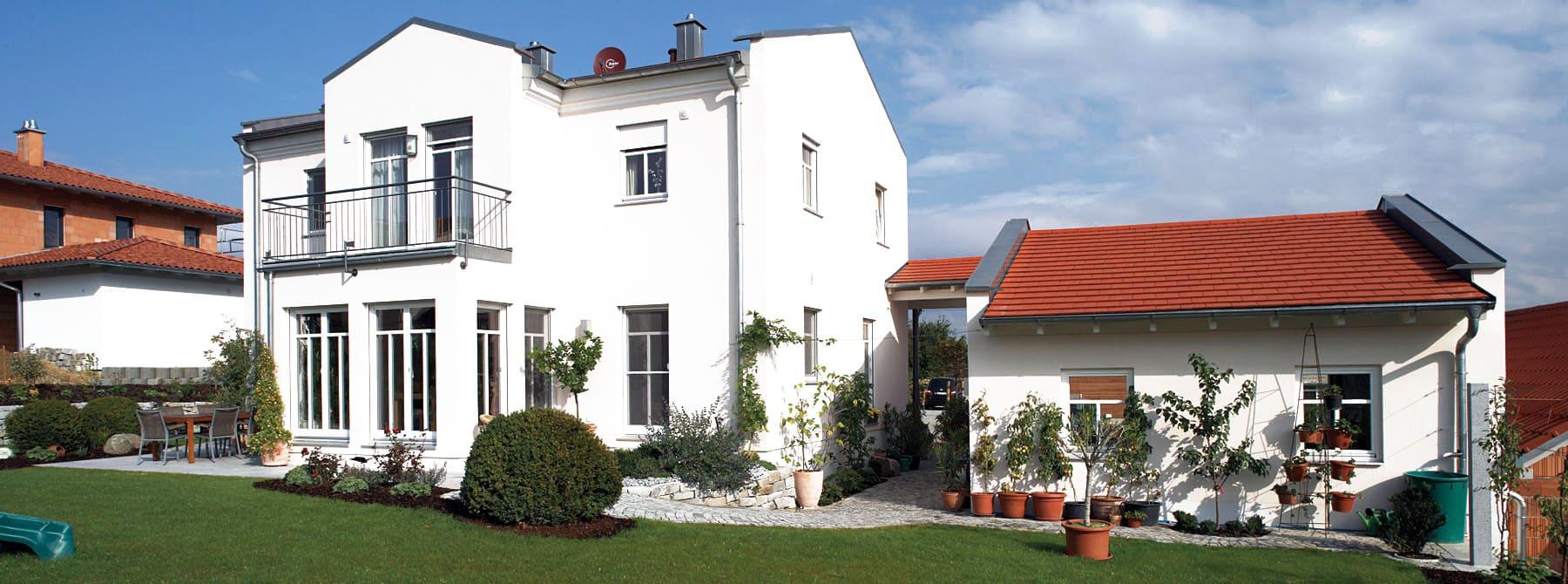 ^ Kunden-Holzhaus ble-Bielmeier im eleganten Stil - Sonnleitner.de ...