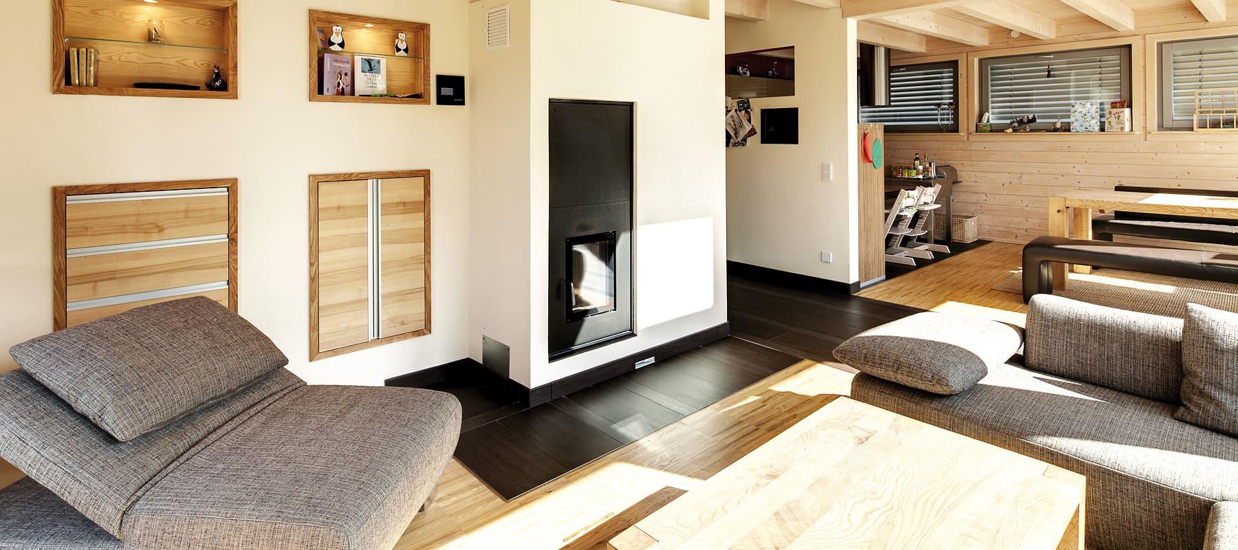 Moderne holzhäuser innen  Wohnzimmerz: Holzhaus Inneneinrichtung With Ein Einfaches Holzhaus ...
