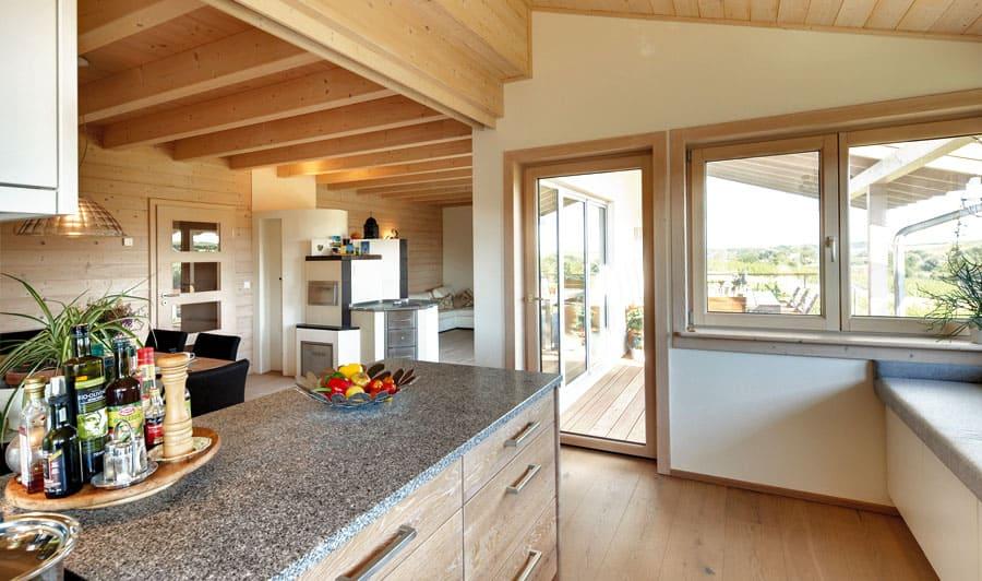 Kunden holzhaus fischer im zeitlos eleganten stil for Blockhaus innen modern