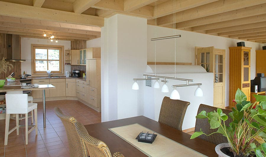 Moderne holzhäuser innen  Kundenhaus Gutshof - ein Landhaus von Sonnleitner.de - Bauen Sie ...