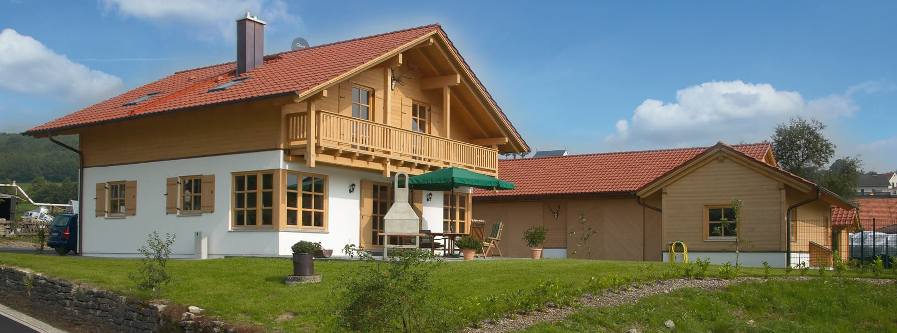 Kundenhaus gutshof ein landhaus von for Holzhaus modern bauen