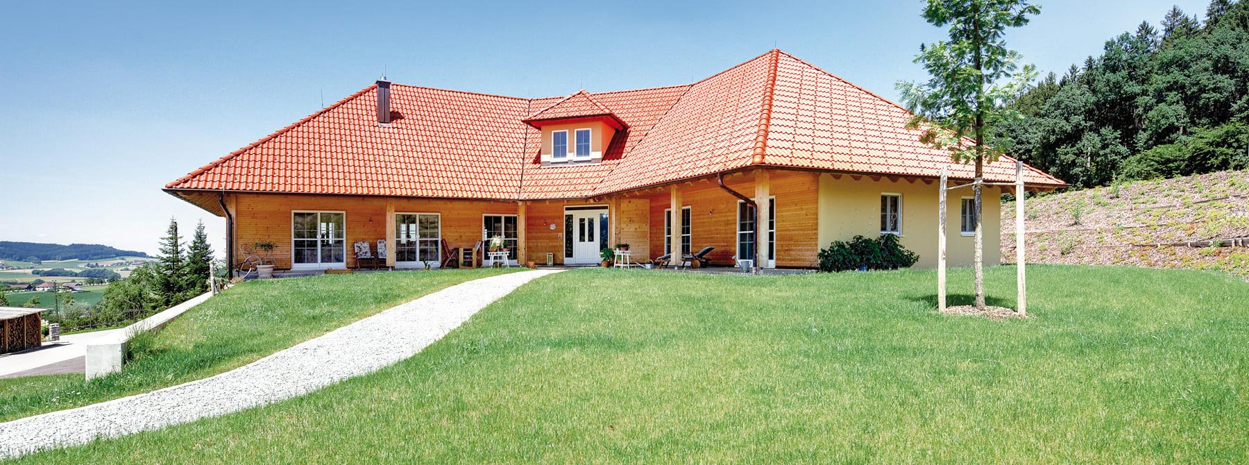 Kundenhaus Hausruckinger Ein Elegantes Holzhaus Von Sonnleitner