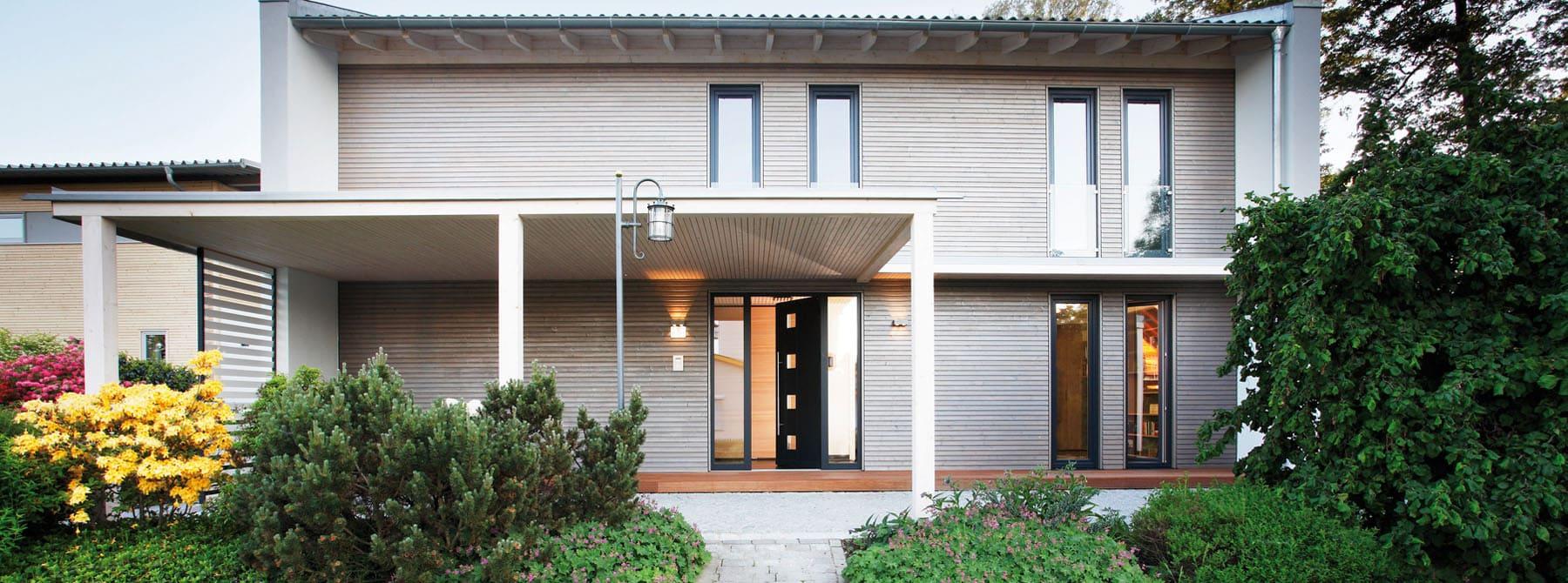 Landhaus modern fassade  Bauen Sie Ihr Holzhaus, Passivhaus, Plusenergiehaus mit ...