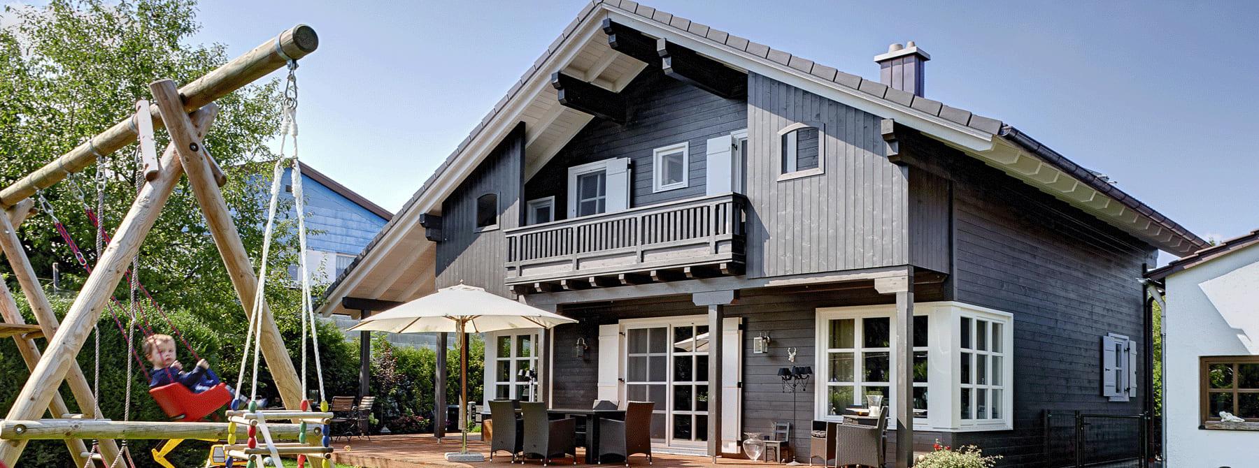 landhaus bauen sie ihr holzhaus passivhaus plusenergiehaus mit sonnleitner. Black Bedroom Furniture Sets. Home Design Ideas