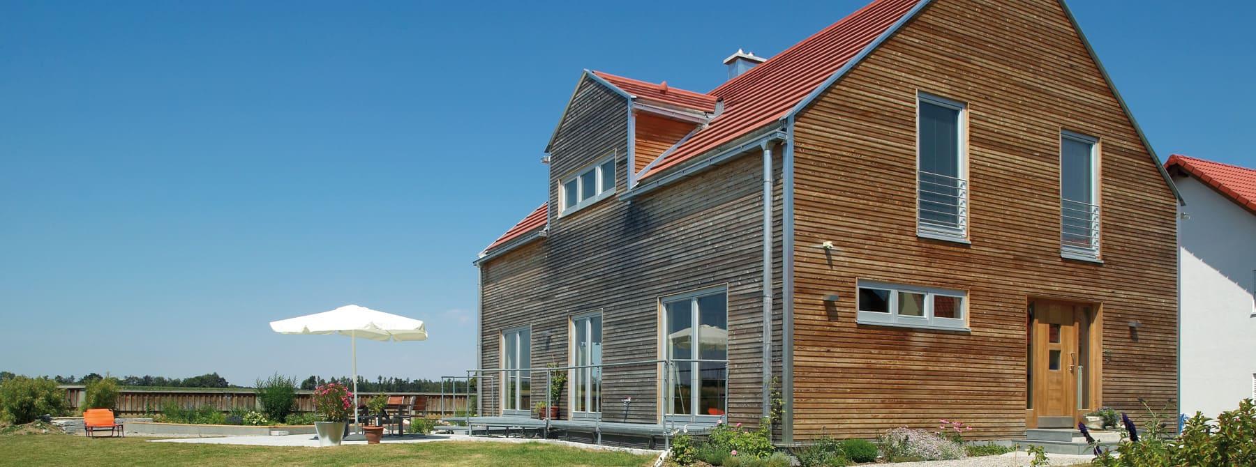 Moderne holzhäuser architektur  Moderne energieeffiziente Holzhäuser aus Bayern - Sonnleitner.de ...